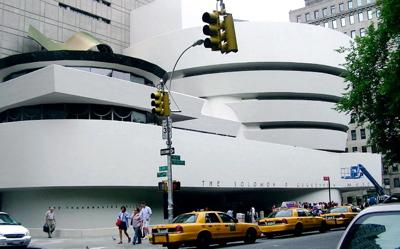 Guggenheim_museum_exterior_2